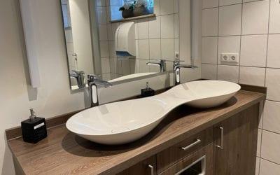 Umkleiden und Duschen